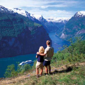 Escandinávia e Rússia - Rússia e os Fjords Noruegueses / 17 dias